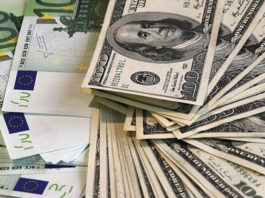 Аналитики Reuters дали прогноз по курсу доллара