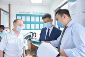 Первый вице-премьер-министр Алмазбек Баатырбеков посетил КПП «Актилек Автодорожный»
