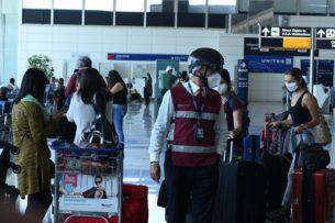 Из-за новой вспышки коронавируса в Пекине отменены более тысячи авиарейсов