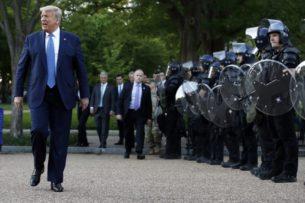 Трамп мобилизовал армию для пресечения беспорядков в Вашингтоне