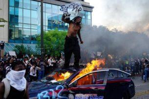 Американист сравнил протесты в США с «цветными революциями»