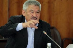 Бекназаров: Пока эта система не изменится, не будет депутатов, избранных на альтернативной основе