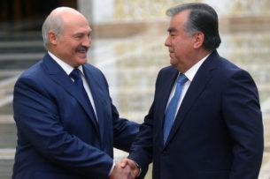 Лукашенко: Мой друг Рахмон с пулеметом наперевес входил в Душанбе, чтобы навести порядок
