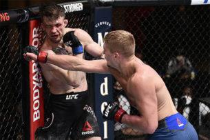 Боец UFC девять раз сказал, что больше не может драться. Но тренер настаивал на продолжении