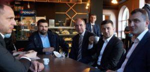Зеленский посетил кафе в Хмельницком, нарушив правила карантина