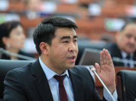 Жанар Акаев: В следующий раз обязательно проголосую против законопроекта «О манипулировании информацией»