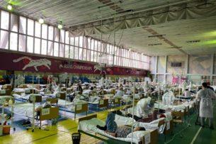 За сутки у 62 медиков Кыргызстана подтвердился COVID-19