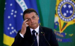 Отрицавший COVID-19 президент Бразилии нашел у себя симптомы коронавируса