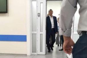 Алмазбека Атамбаева из больницы перевели в СИЗО ГКНБ
