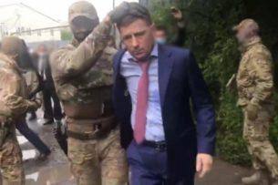 Российского губернатора задержали по подозрению в организации серии заказных убийств