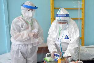 За сутки в Кыргызстане выявлено 384 случая заражения коронавирусом. Скончались еще 2 человека от COVID-19
