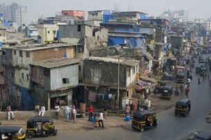 Почти у 60% обитателей трущоб Мумбаи нашли иммунитет к коронавирусу
