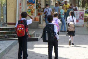 В большинстве школ Узбекистана учебный год начнется 14 сентября