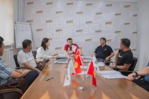 Акылбек Жапаров идет на выборы с партией «Мекеним Кыргызстан»