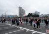 Пятнадцатый день протестов: Сотни тысяч белорусов и  Александр Лукашенко с автоматом