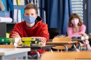 В Германии будут исключать из школы за неношение масок