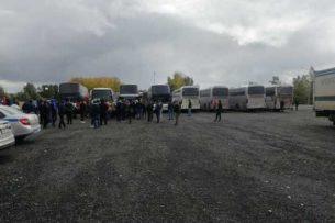Более тысячи кыргызстанцев скопилось на трассе на выезде из Башкортостана. Все они оказались в бедственном положении