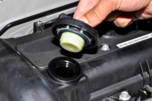 Моторное масло — как часто надо его менять? Советы экспертов