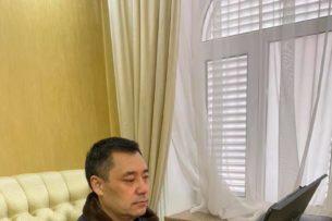 Садыр Жапаров назначил управделами президента и принял отставку двух членов правительства