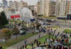Против участников протестной акции в Минске используют водомет. Демонстранты напали на спецтехнику