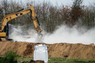 В Дании закопали миллионы зараженных COVID-19 норок. Теперь их хотят откопать