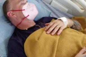Волонтер в Индии пережил COVID-19, лихорадку денге и малярию. Теперь его укусила кобра