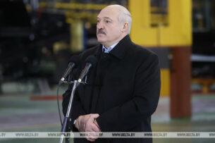 Лукашенко заявил о центрах американских спецслужб в Киеве и под Варшавой