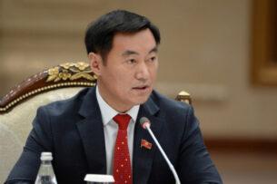 Депутат Эмиль Токтошев заявил, что не подписывался под проектом новой Конституции