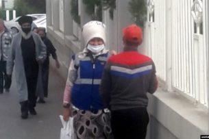 В Туркменистане начали урезать норму отпуска пайковых продуктов. В госмагазинах очереди и дефицит