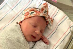 Младенец, которому 27 лет. В США появилась на свет девочка, ждавшая рождения дольше всех в мире