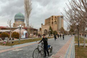 В Узбекистане госслужащим рекомендовали «раз в неделю» передвигаться без автомобиля