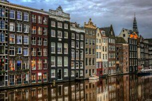 Парламент Нидерландов одобрил введение комендантского часа впервые со Второй мировой войны