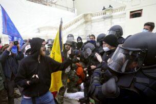 Эксперты представили доклад о том, как «теории заговора» привели к штурму Капитолия