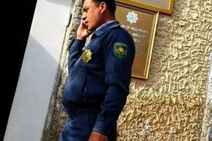 «Пей, если ты не ваххабит!»: Туркменская полиция заставляет верующих пить и брить бороды
