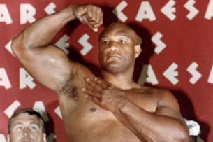 Легендарный Джордж Форман посоветовал Конору Макгрегору уйти в бокс