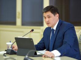 «Я готов хоть  сейчас покинуть пост, если только дело во мне»: Улукбек Марипов ответил на критику депутатов