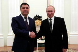 Садыр Жапаров встретился с Владимиром Путиным в Москве