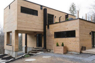 Женщина купила 4 старых контейнера и превратила металлолом в настоящий дизайнерский дом: видео