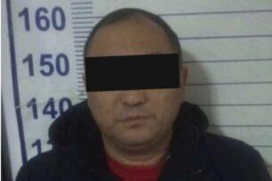 В Бишкеке задержали подозреваемого в мошенничестве. Обещал переоформить более 20 водворенных на штрафстоянку авто