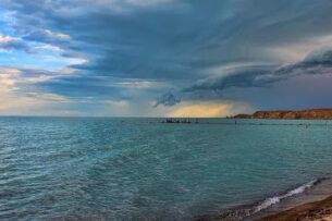 Китай ставит под угрозу крупнейшее озеро Казахстана. Может повторить судьбу Арала?