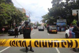 Смертник устроил взрыв у католической церкви в Индонезии