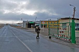Кыргызстан предлагает Китаю увеличить пропускную способность КПП «Торугарт» и «Иркештам»