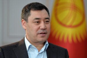 «Около 300 семей в Кыргызстане разбогатели, остальные обеднели». Садыр Жапаров рассказал СМИ о причинах революции, о своем визите в Казахстан