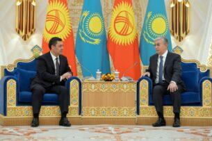 Садыр Жапаров и Касым-Жомарт Токаев ведут переговоры в Нур-Султане