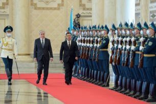 Для соседей и союзников Кыргызстана новая власть в стране «странно легитимна» — российский эксперт