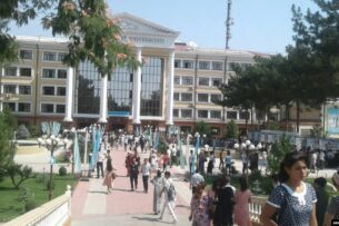 В Узбекистане студентов разделят на красных, желтых и зеленых