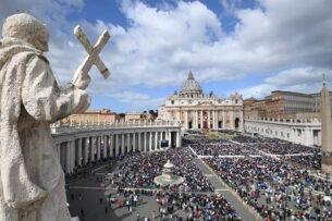 Ватикан не намерен благословлять однополые пары