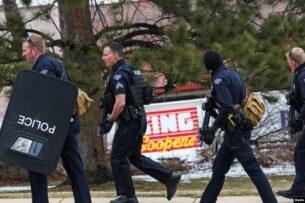 По меньшей мере 10 человек погибли в результате стрельбы в Колорадо