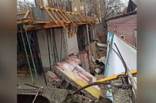 В Бишкеке из-за стройки по соседству рухнула стена частного детского сада