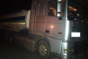Пограничники Кыргызстана пресекли попытку незаконного вывоза 35 тонн ГСМ